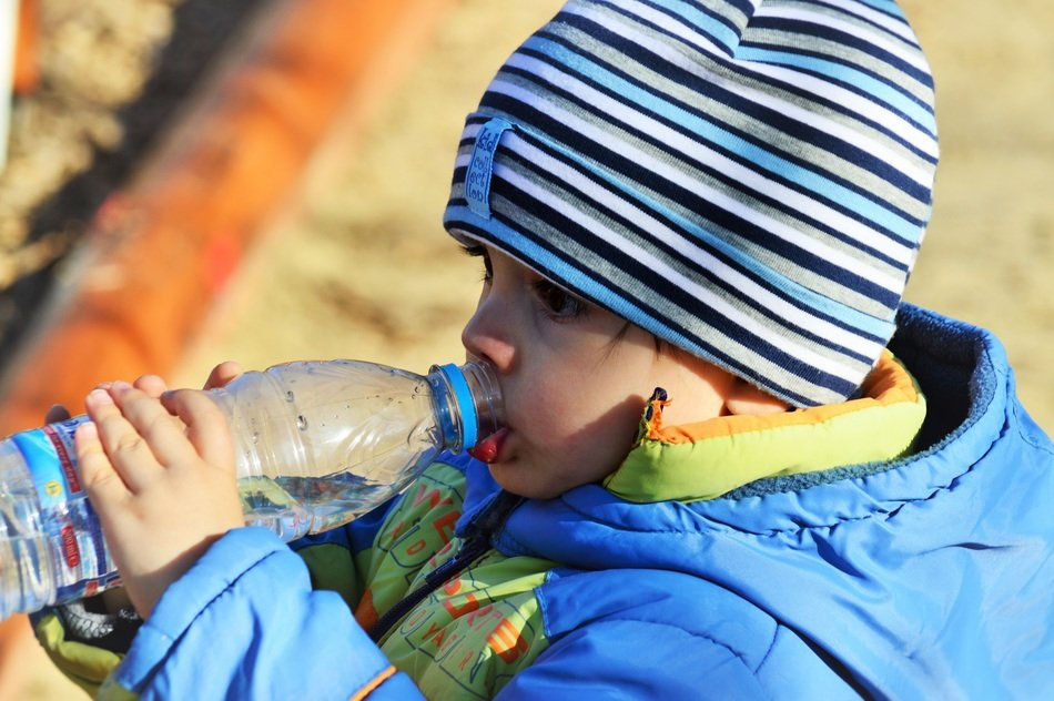 Helpful Ways to Teach Your Kids How to Get Hydrated Everyday
